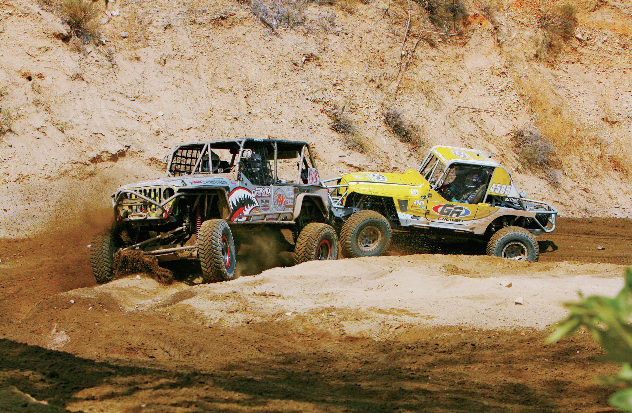 Hard-nerfing action is constant on the three-mile course. In Rubicon Express Modified 4500 class action, Jimmy Jack held off Jordan Pellegrino.