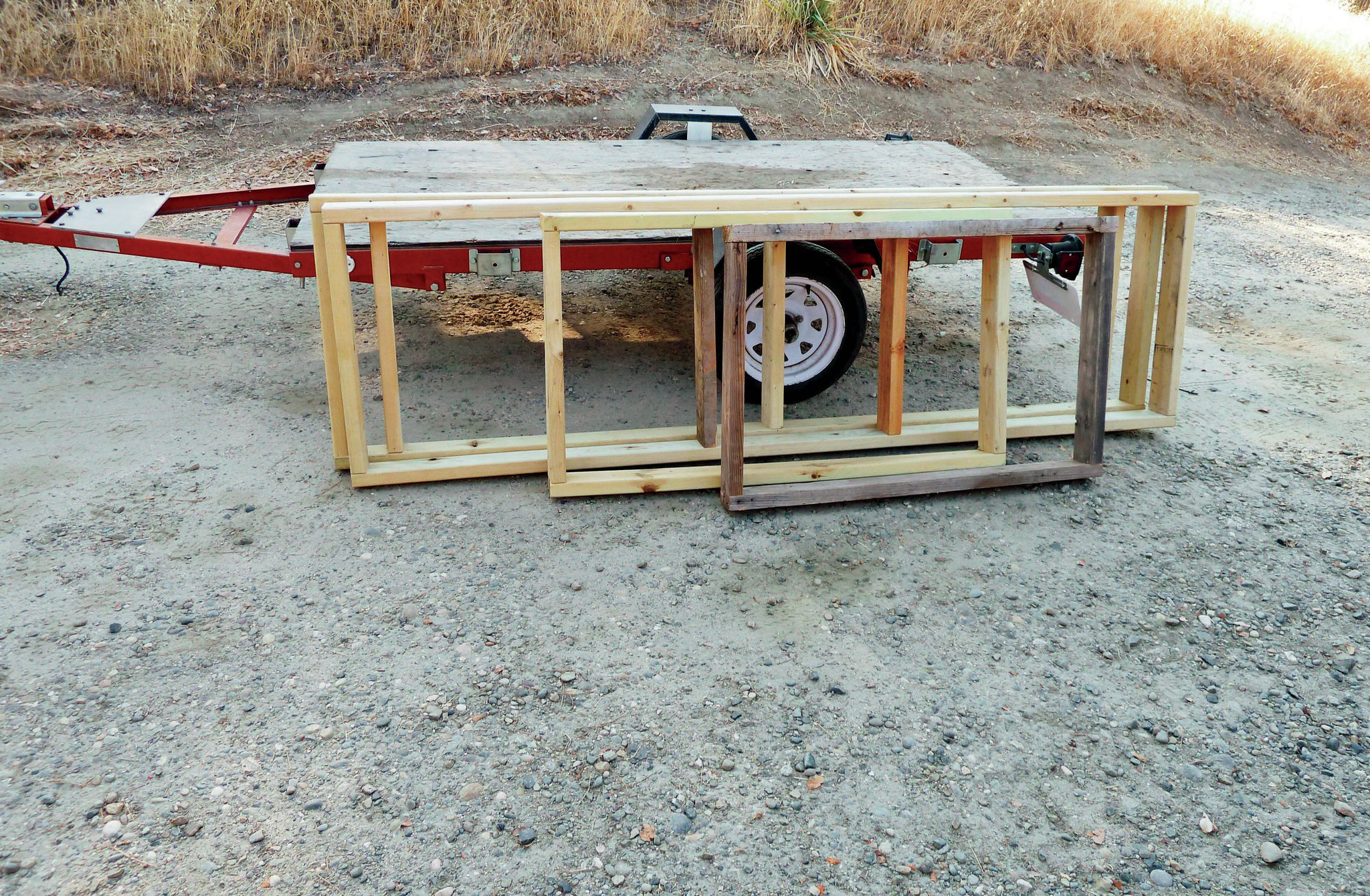 An aluminum frame would have been nice, but per the norm, the budget (or lack thereof) had me looking for a suitable substitute. I was able to build the entire frame and lid out of lumber I had left over from a shed I just finished building and from old wood I scavenged from a friend. Thanks, Swanny!