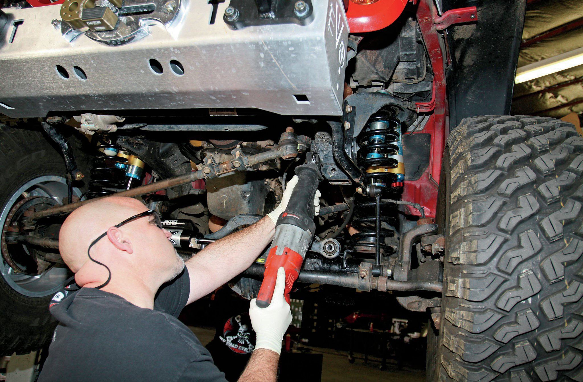 cutting aftermarket steering box stabilizer