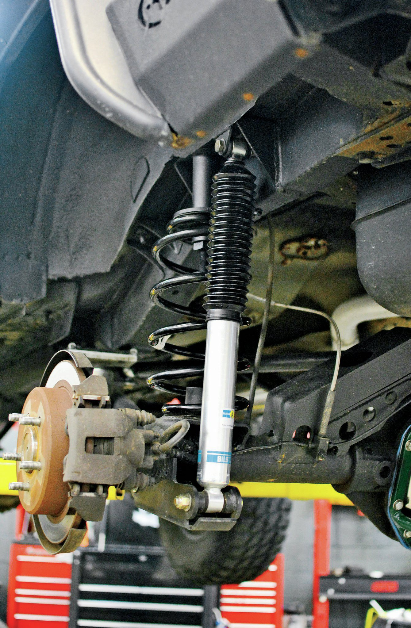 2001 Jeep Cherokee XJ Coil Conversion - Leafs Out, Coils In