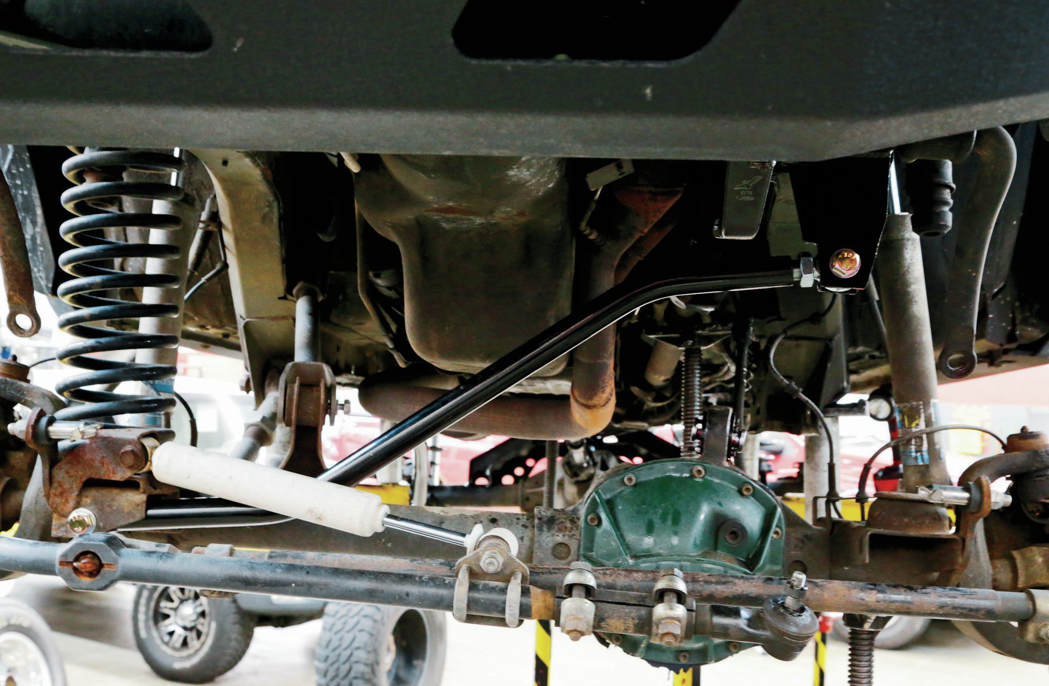 The solid-steel adjustable front track bar is formed for clearance around the stock Dana 30 front axle. Also included with the kit is a set of sway bar disconnects to allow you to get the full potential of the suspension system.