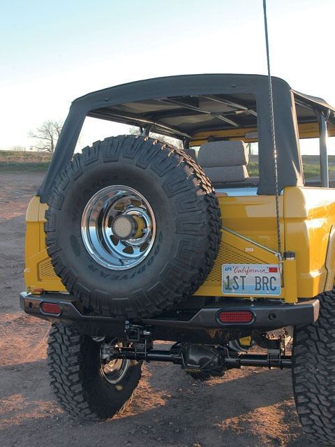 06064WDP 02 z+1969 Ford Bronco+rear end view