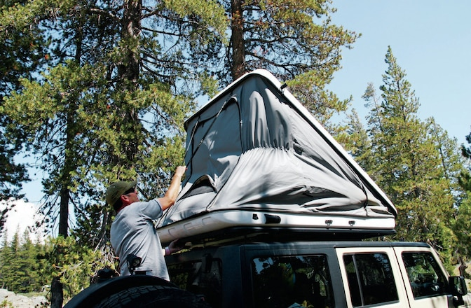 Discovery Evolution's Rooftop Tent - Baroud, James Baroud