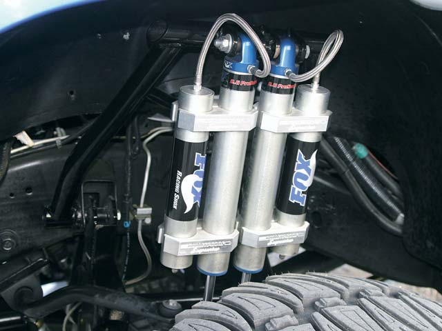 0311or 07z+2002 Chevrolet Silverado Quadrasteer+Front Shocks Close Up