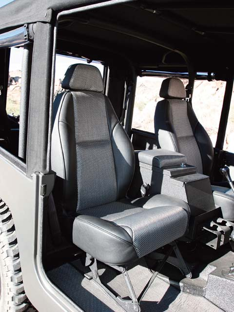 06024wd 12z+Toyota FJ40+Interior View Rear Seats