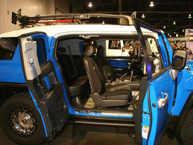 129 05 16z+Toyota FJ Cruiser+Side Passenger Side View Front And Back Door Open