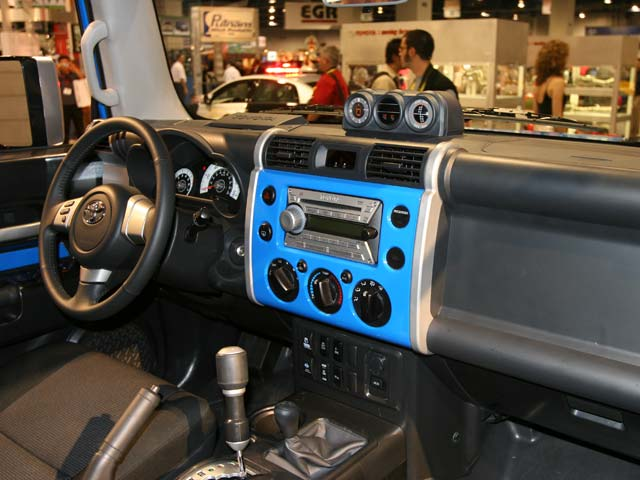 129 05 17z+Toyota FJ Cruiser+Front Passenger Side Interior View