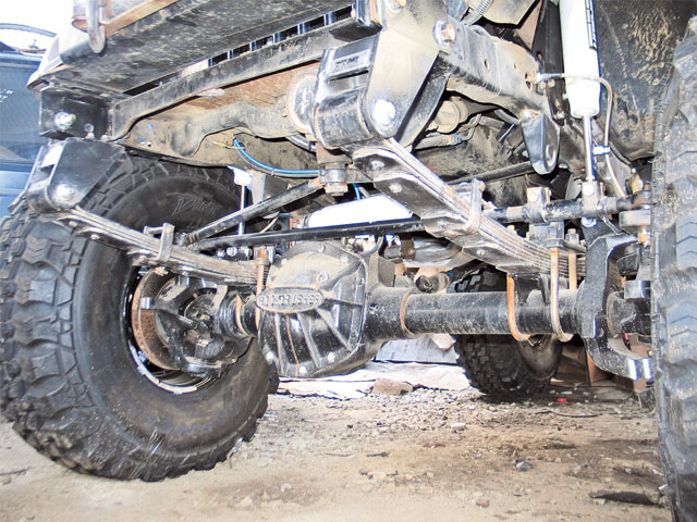 0608 4wd 01 z+1975 jeep cj 5+front axle