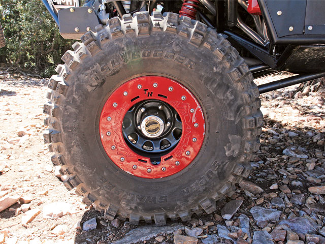 37x13.50-15 Interco Super Swamper Bogger tires and 15x10 TrailReady beadlock wheels made light work of the trail.