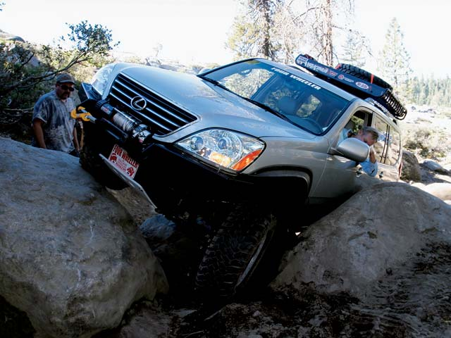129 0504 02z+lexus gx470+left front rock crawl view