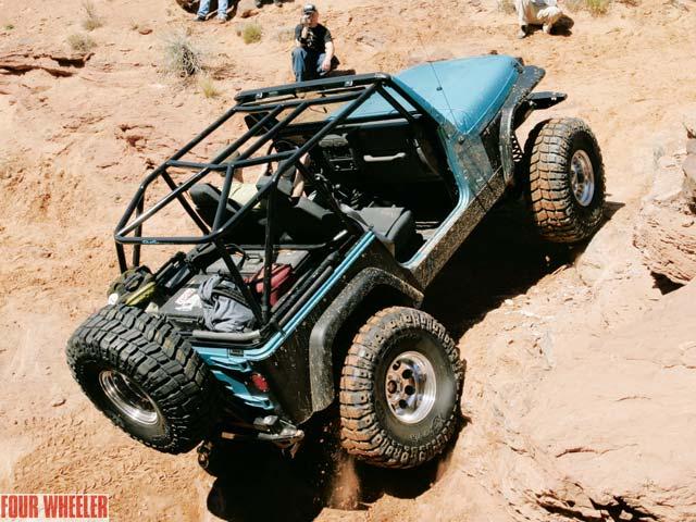 129 0408 01z+jeep tj+right rear view