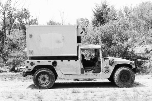 p25168 large+AM General Hummer+Passenger Side