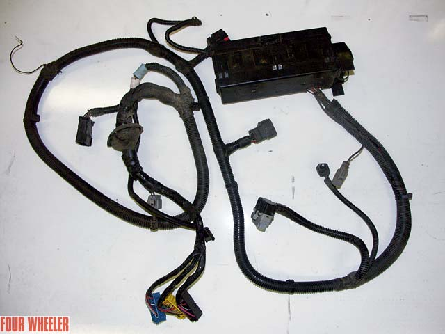 129_0507_03z%2Bjeep_tj%2Bfactory_engine_wiring_harness 1997 jeep wrangler tj project teal j ii part 11 jeep wrangler wiring harness replacement at webbmarketing.co