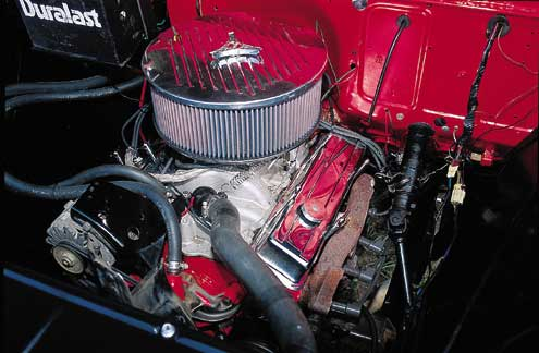 516large+1957 chevrolet 3200+engine view
