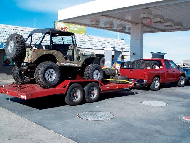 131 0706 05 z+2006 dodge ram jeep+side view trailer