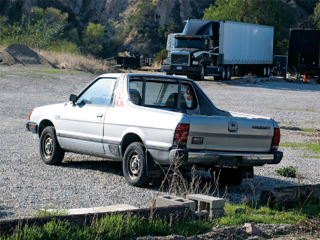 131 0707 14 z+subaru brat+rear view