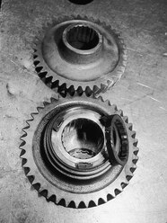 b>Problem:</b> Worn output shaft and collar<br><b