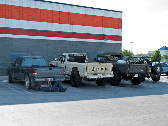 154 0611 07 z+jeep m 715+4 jeeps lined up