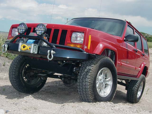 131 0503 19z+jeep cherokee+front right view