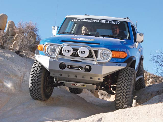 0704 4wd 02 z+custom 2007 toyota fj cruiser+on trail