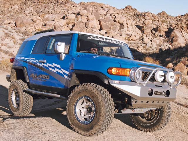 0704 4wd 03 z+custom 2007 toyota fj cruiser+right side