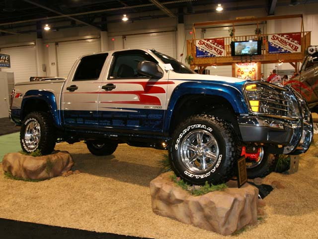 129 05sema 184z+2005 chevrolet colorado+side view