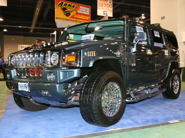 129 05sema 167z+hummer h2+front right view