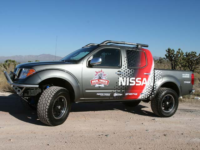 129 05sema 148z+2005 nissan frontier+side view