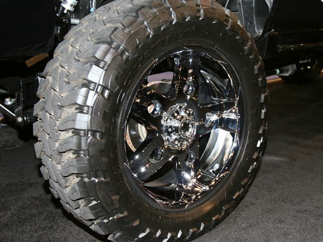 129 05sema 170z+chevrolet+wheel view