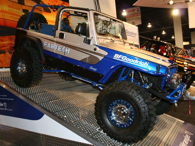 129 05sema 189z+jeep wrangler+side view