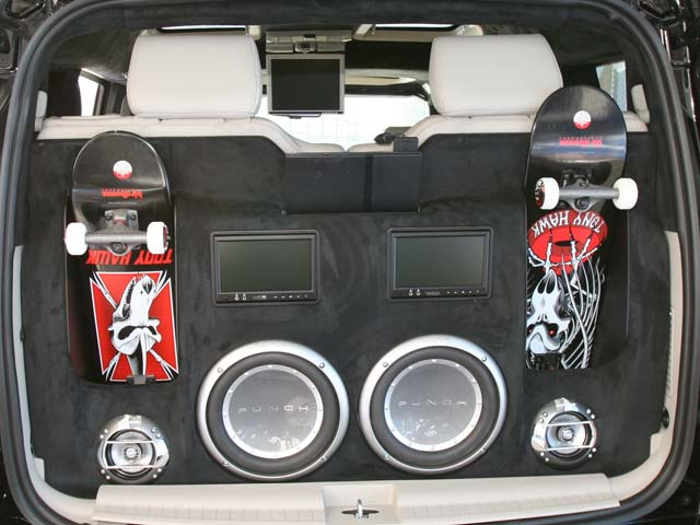 129 161z+Jeep+Rear Hatch View Speakers