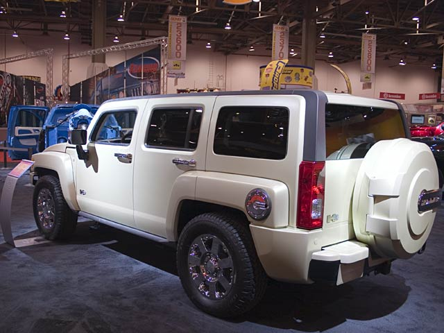131 0611 03 z+sema 2006+h3 v8 flex fuel rear