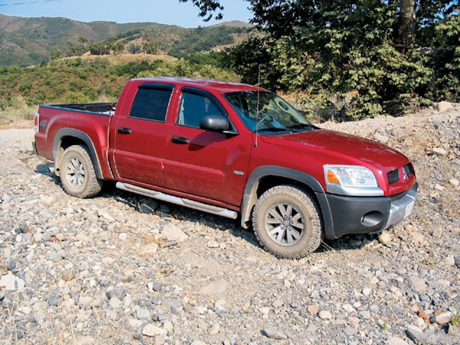 2006 Mitsubishi Raider DuroCross Truck Review and Test Drive