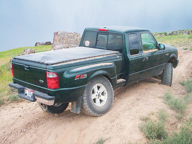 131 0606 10 z+2003 ford ranger fx4+rear view