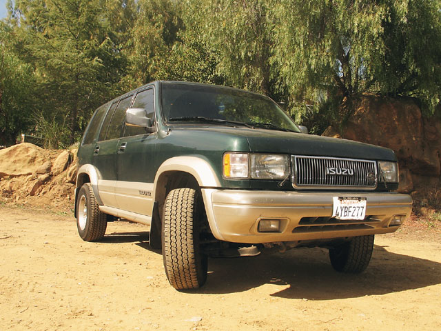 131 0606 11 z+1998 isuzu trooper+front view