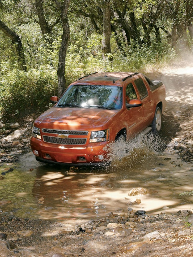 2007 Chevrolet Avalanche Review & First Drive