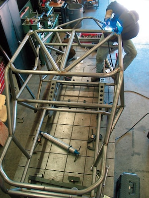 The roof also has multiple tubes to strengthen the chassis and