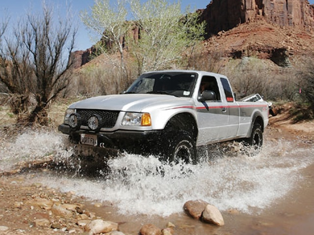 129 0708 14 z+ford ranger+front view water