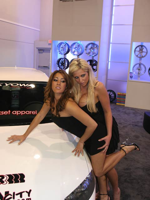 154 0712 20 z+girls of sema+wheel girls