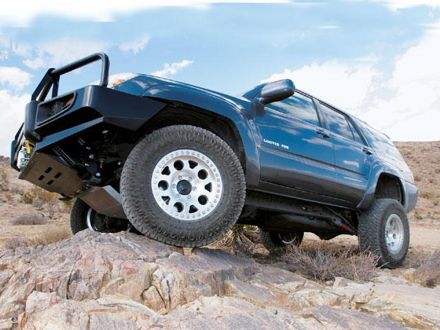 0706 4wd 01 z+toyota 4runner+nitto dune grapplers+kmc enduro 122 desert beadlocks