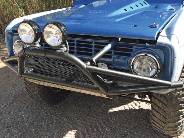 0705or 03 z+1972 ford bronco race truck+front bumper lights