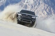 2016 jeep grand cherokee in sand dunes
