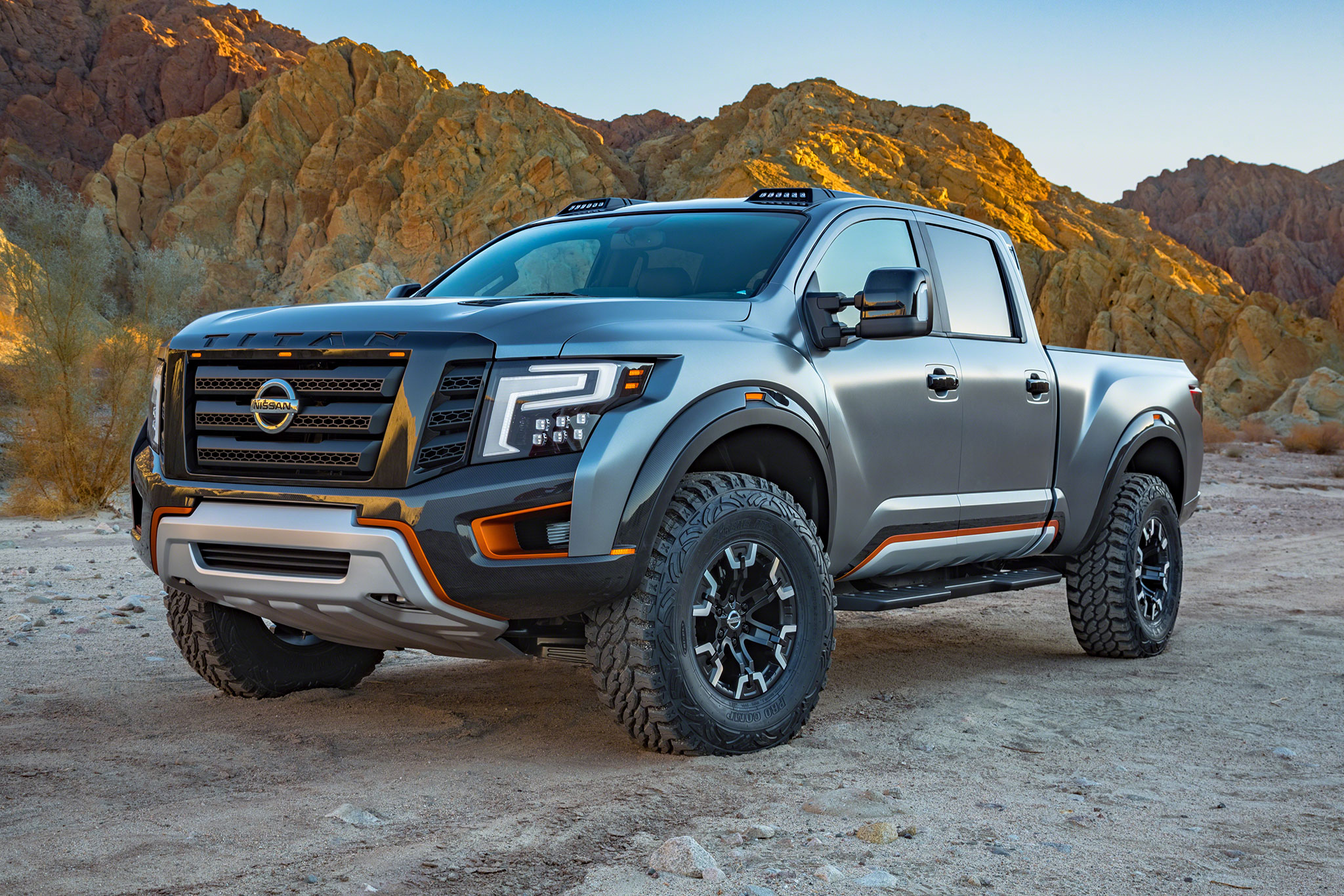 Nissan Titan Warrior concept front three quarter 06