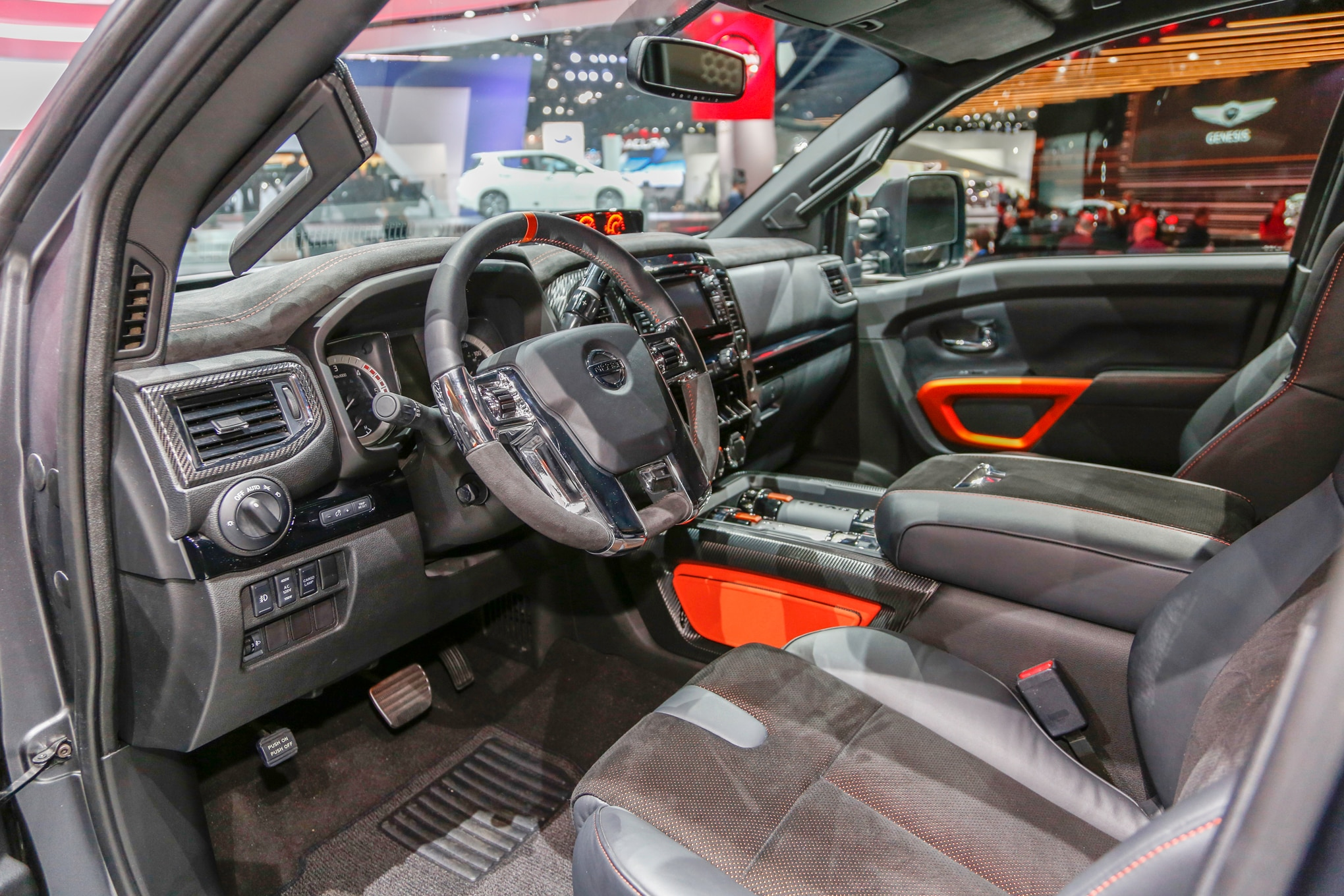 Nissan Titan Warrior Concept interior view 02