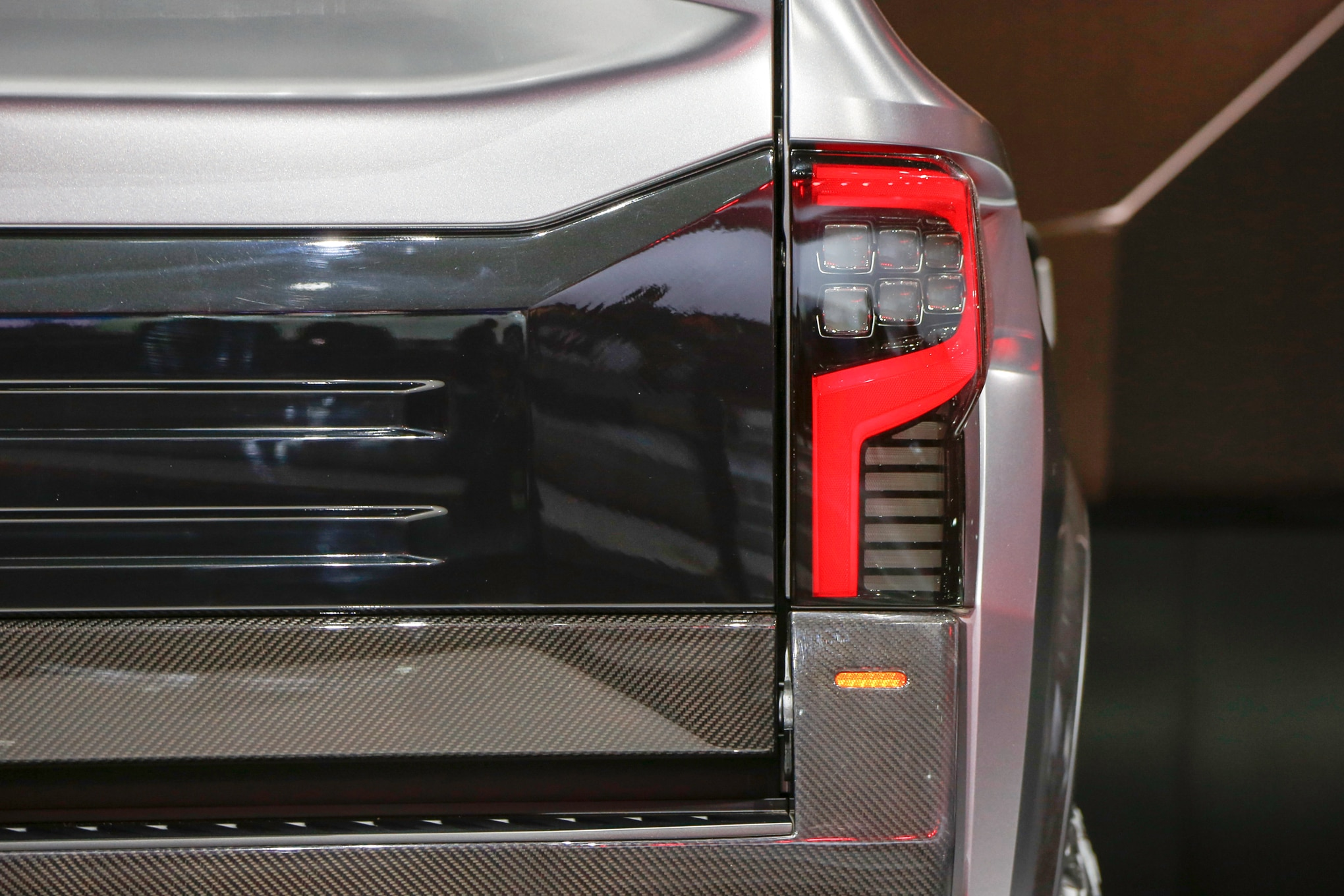 Nissan Titan Warrior Concept rear taillight 02