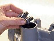 129 0801 26 z+saginaw steering box+install oil seals
