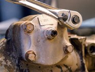 129 0801 03 z+saginaw steering box+remove cover bolts
