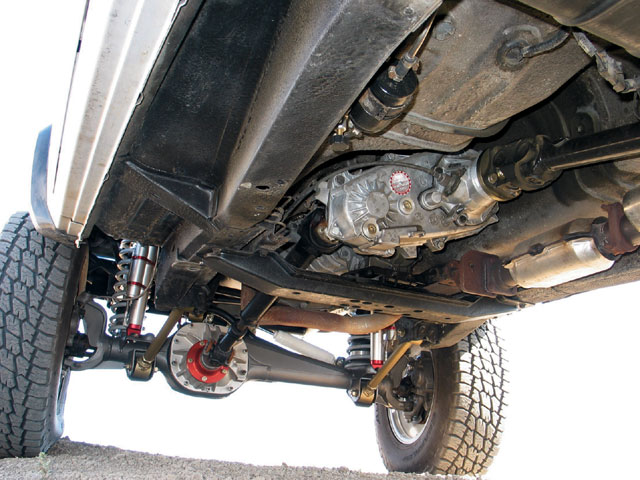 154 0710 10 z+1988 comanche shortbed+under view custom axle