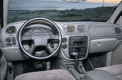 66327 large+2001 Chevrolet Trailblazer+front interior view