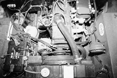 939large+1950 jeep cjv35u+engine view